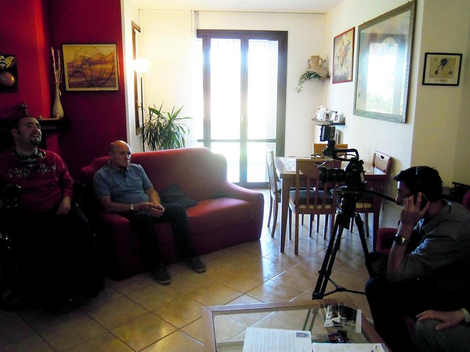Fabrizio e gerolamo fontana intervistati da tv2000 upper - Papa francesco divano ...