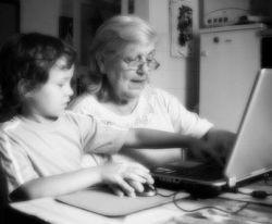 Immagine-biancoe-e-nero-di-nonni-con-i-nipoti_large