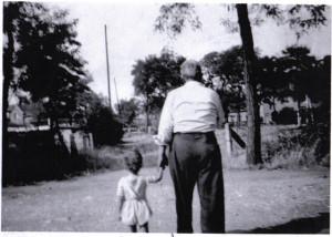 nonno_e_nipote_a_passeggio