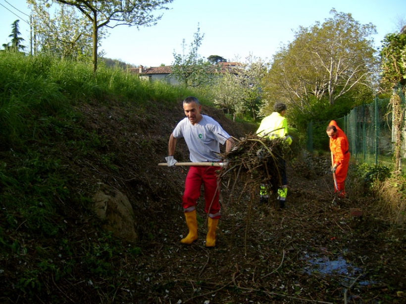 2-pulizia-val-marascia-aprile-2011-2_e_web